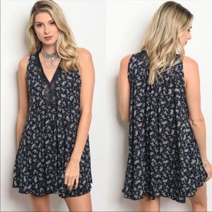 Dresses & Skirts - Floral Tunic Dress *NEW*